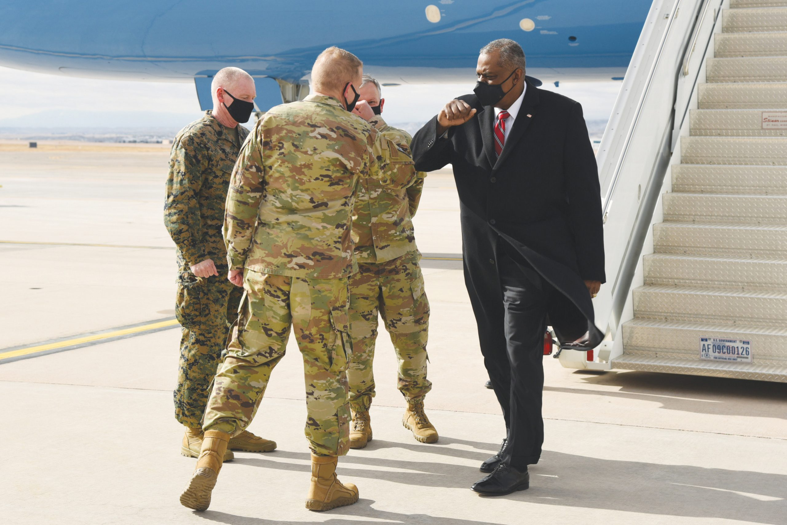 Secretary of Defense makes first visit to Peterson AFB | Colorado Springs  Military Newspaper Group