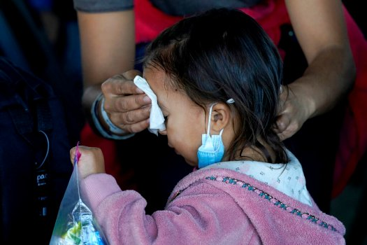Trump slams migrant crisis; Biden administration declares 'border is closed'